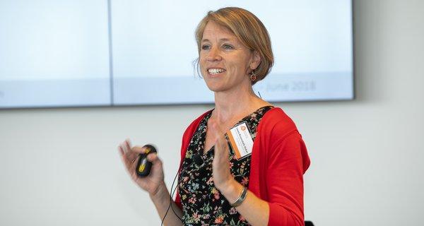 Laura Rosendahl-Huber presenting at IGL2018
