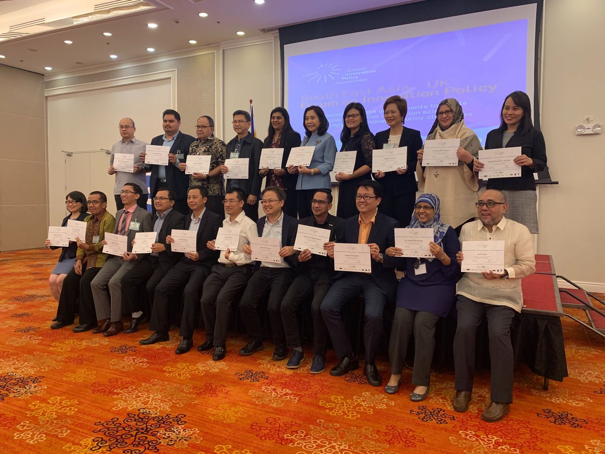 GIPA SE Asia final conference participants with certificates.jpg