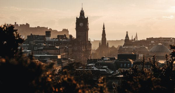 Unsplash: Edinburgh
