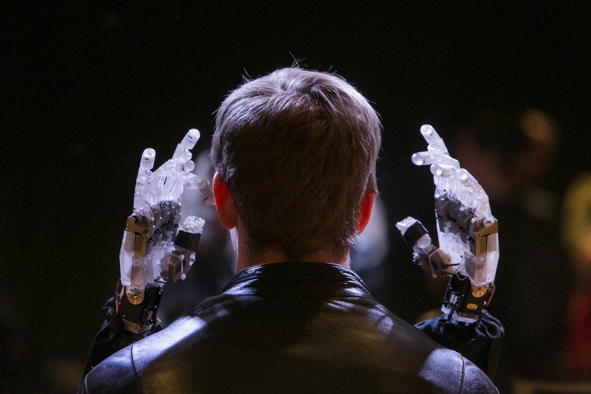 blind_robot_by_louis_philippe_demers_futurefest_2015_0.jpg