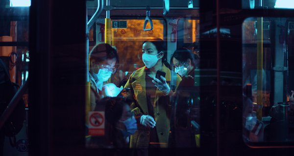 people-inside-a-bus-wearing-masks-3960076.jpg