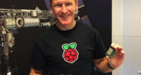 tim_peak_with_an_astro_pi.png