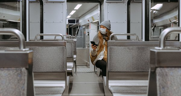 woman-wearing-mask-on-train-3962264.jpg