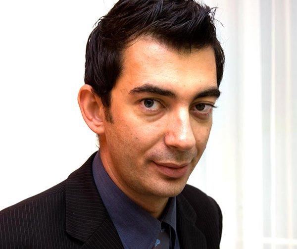 Yannis Pierrakis